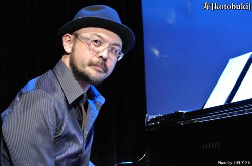 渡部泰介(piano)